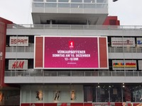 S[quadrat] Videowand Videowall Werbetafel LED Festinstallation 44,5qm